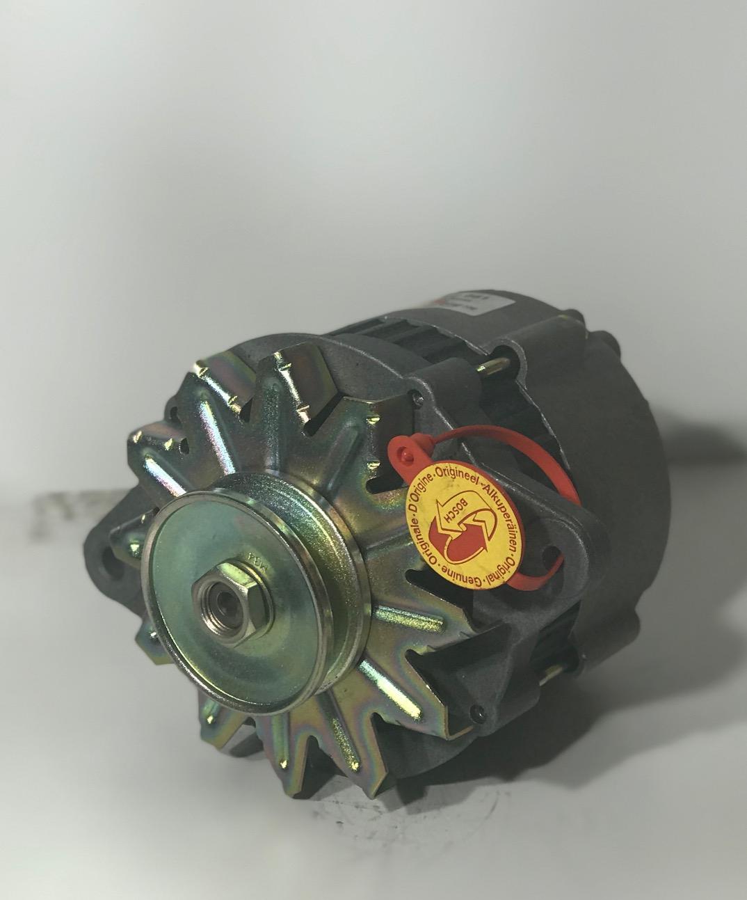Hitachi Lichtmaschine 0986032661 LR160-121 14V Alternateur Alternator Generator