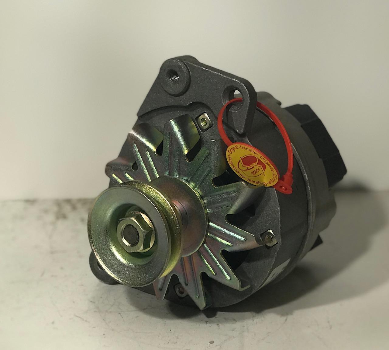 Lichtmaschine 0986033181  9AR2977 14V 65A  Alternateur Alternator Generator