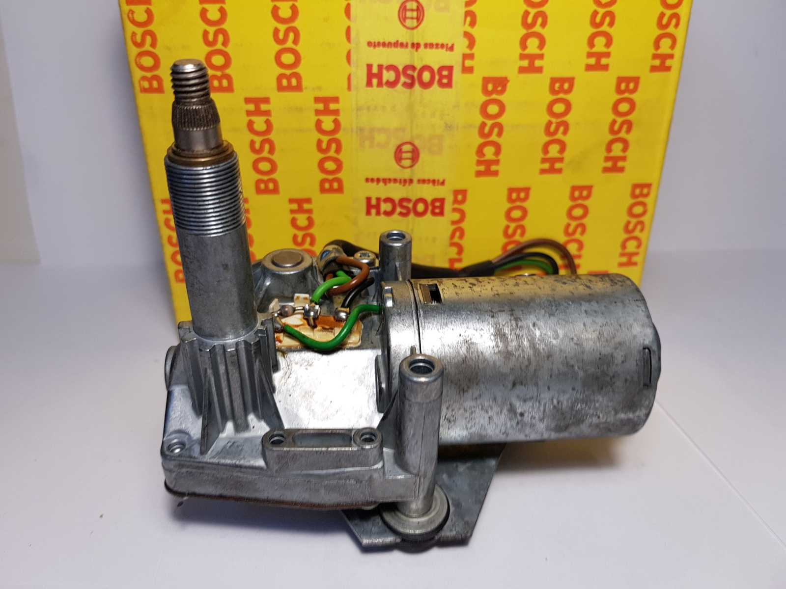 Bosch 0390211704 Wischermotor 12V Hinten Wiper-Motor Heckwischermotor Ford Fiest