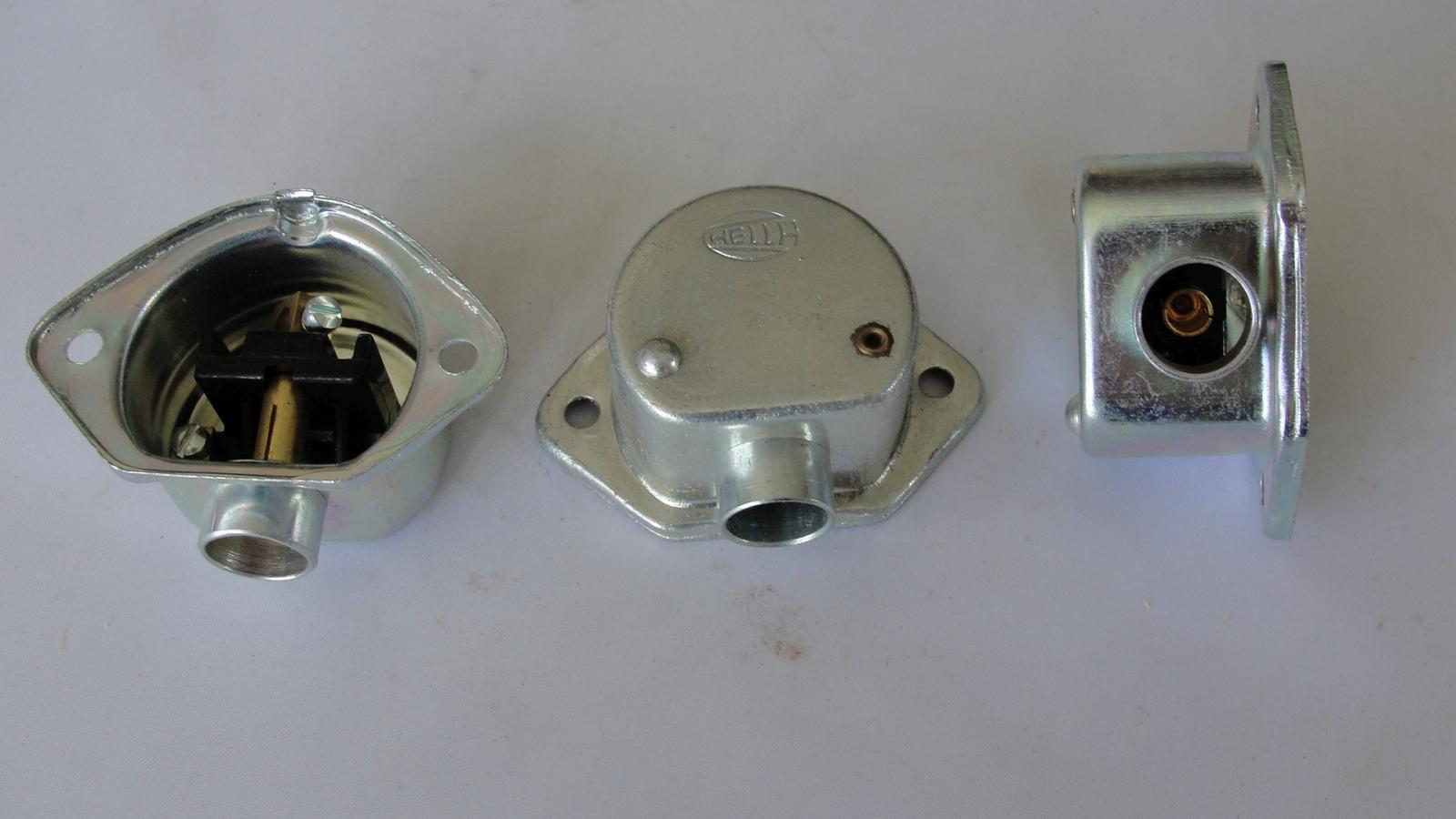 Hella Metall Steckdose 8JB002282-00 12/1A metal steikdose socket